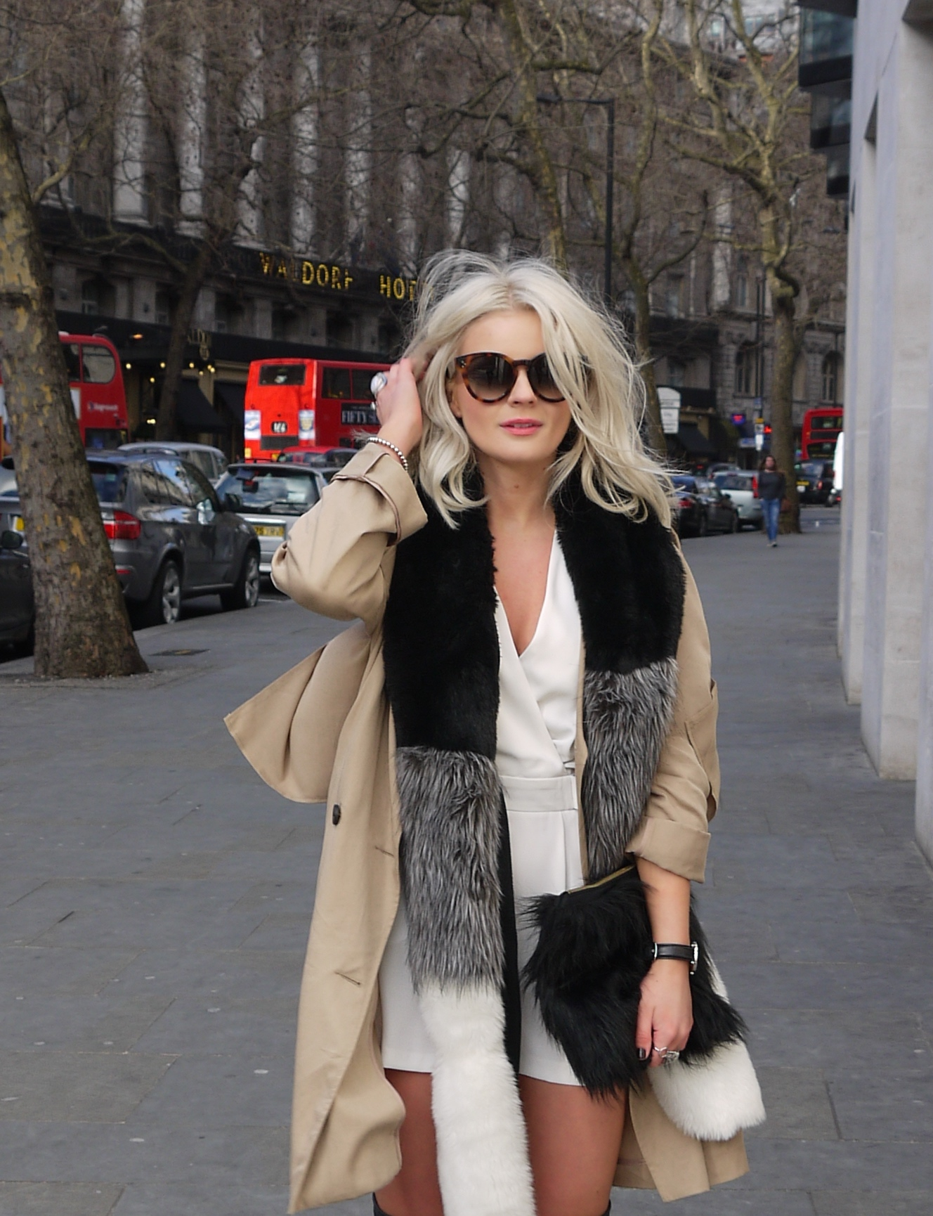 celine glasses, topshop camel duster coat, faux fur, destroy boots, fashion blogger