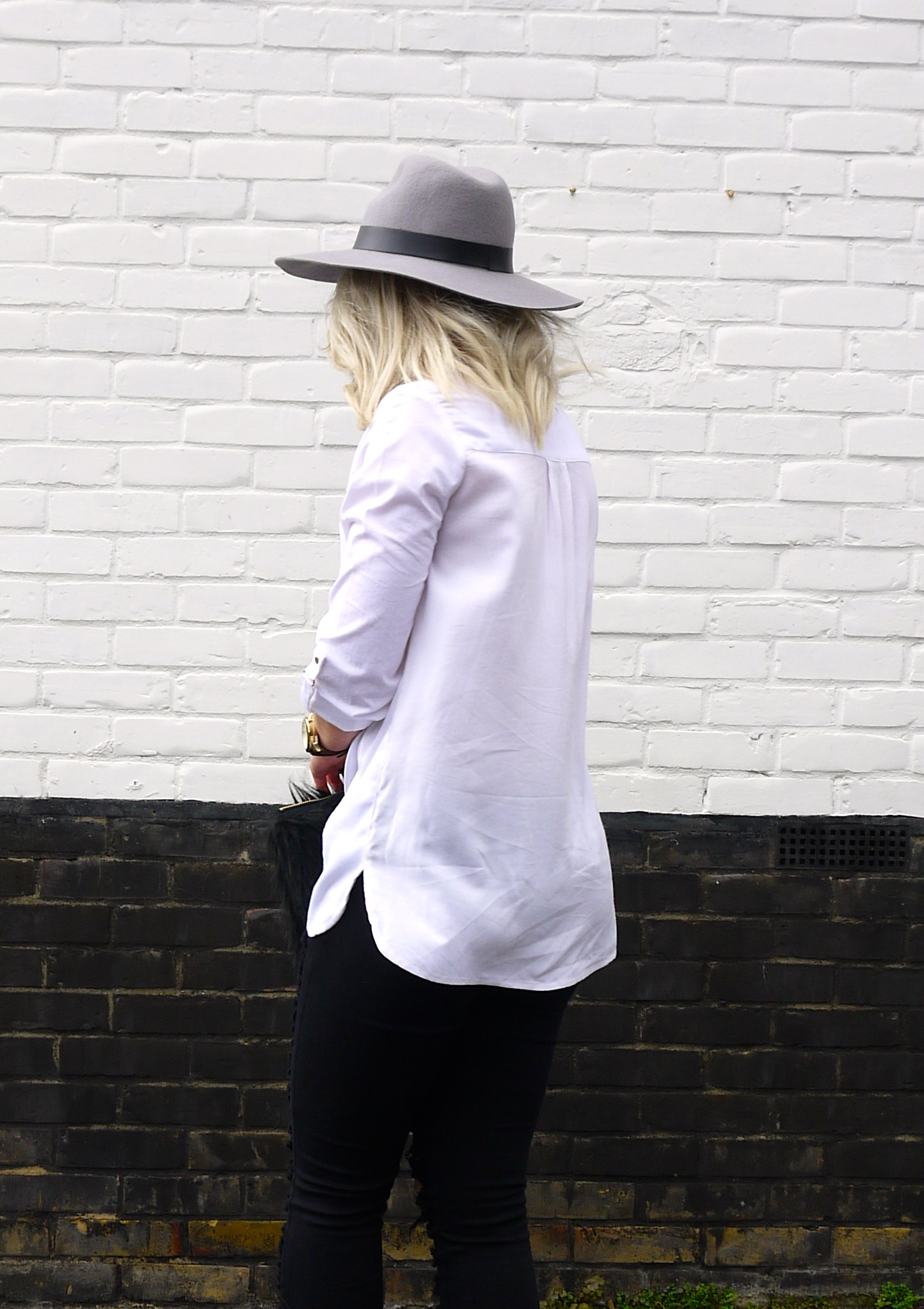 LILY LULU ripped jeans, distressed denim, white shirt, grey topshop fedora