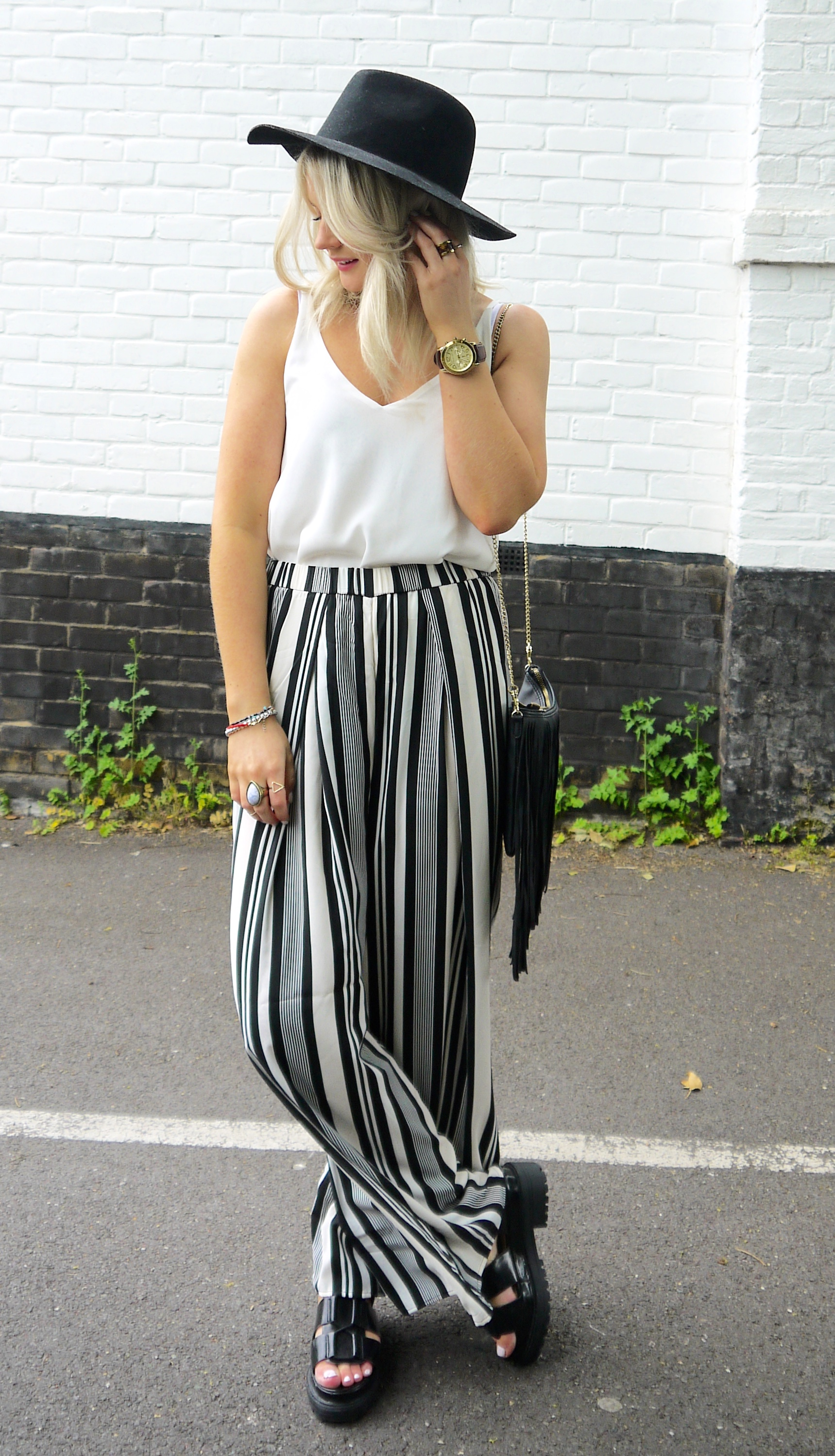PALAZZO TROUSERS, HOW TO WEAR PALAZZO PANTS, STRIPE PALAZZO PANTS, MONOCHROME, BLACK AND WHITE,LAURAS LITTLE LOCKET, LAURA BYRNES
