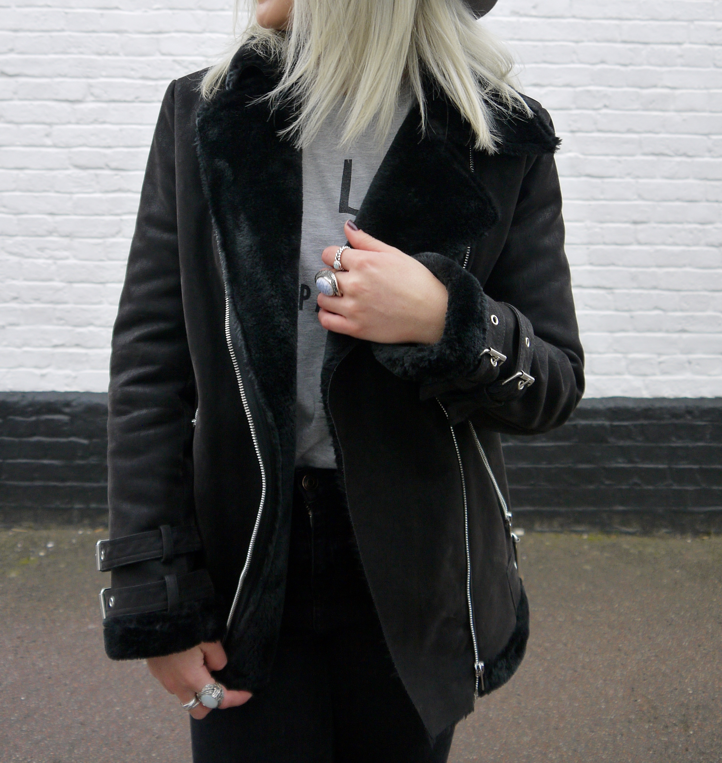 MISGUIDED BLACK PILOT COAT, PILOT COAT, BLACK COAT, ASH BLONDE HAIR, GREY HAIR, GREY FEDORA, LAURA BYRNES, LAURAS LITTLE LOCKET