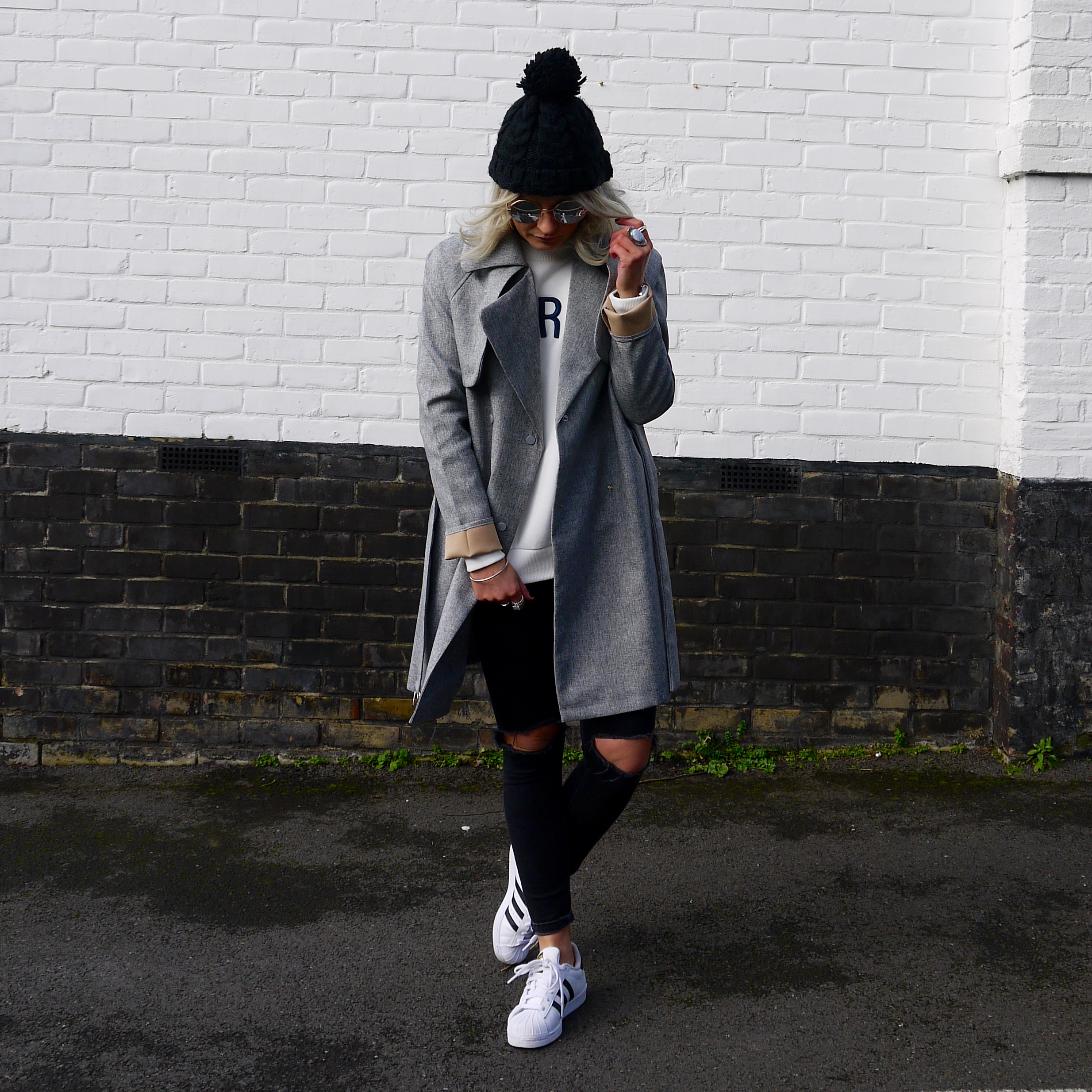 laura byrnes, lauras little locket, boohoo grey trench coat, white paris sweatshirt, addidas superstars, black ripped jeans, black beanie hat, casual sunday, mirrored sunglasses, fashion blogger,