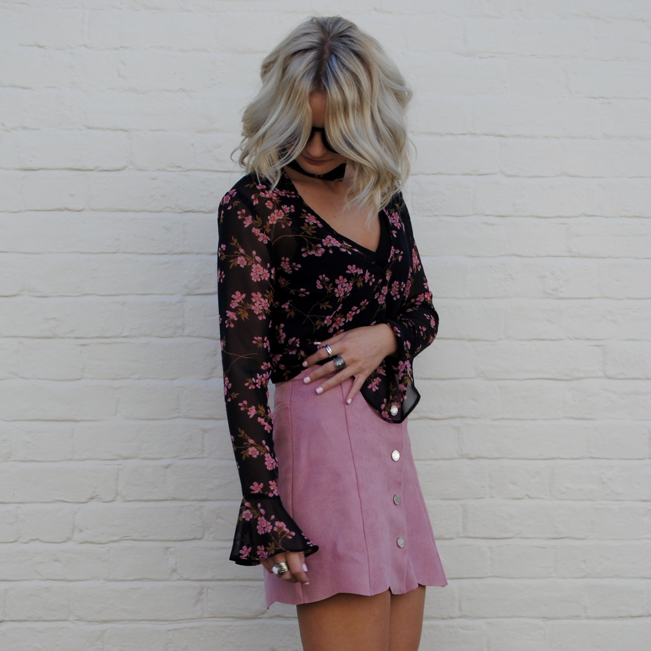 laura byrnes, lauras little locket, fashion blogger, st albans, lipsy style, pink suede skirt, black tie up heels, 4th and reckless shoes, flared sleeves