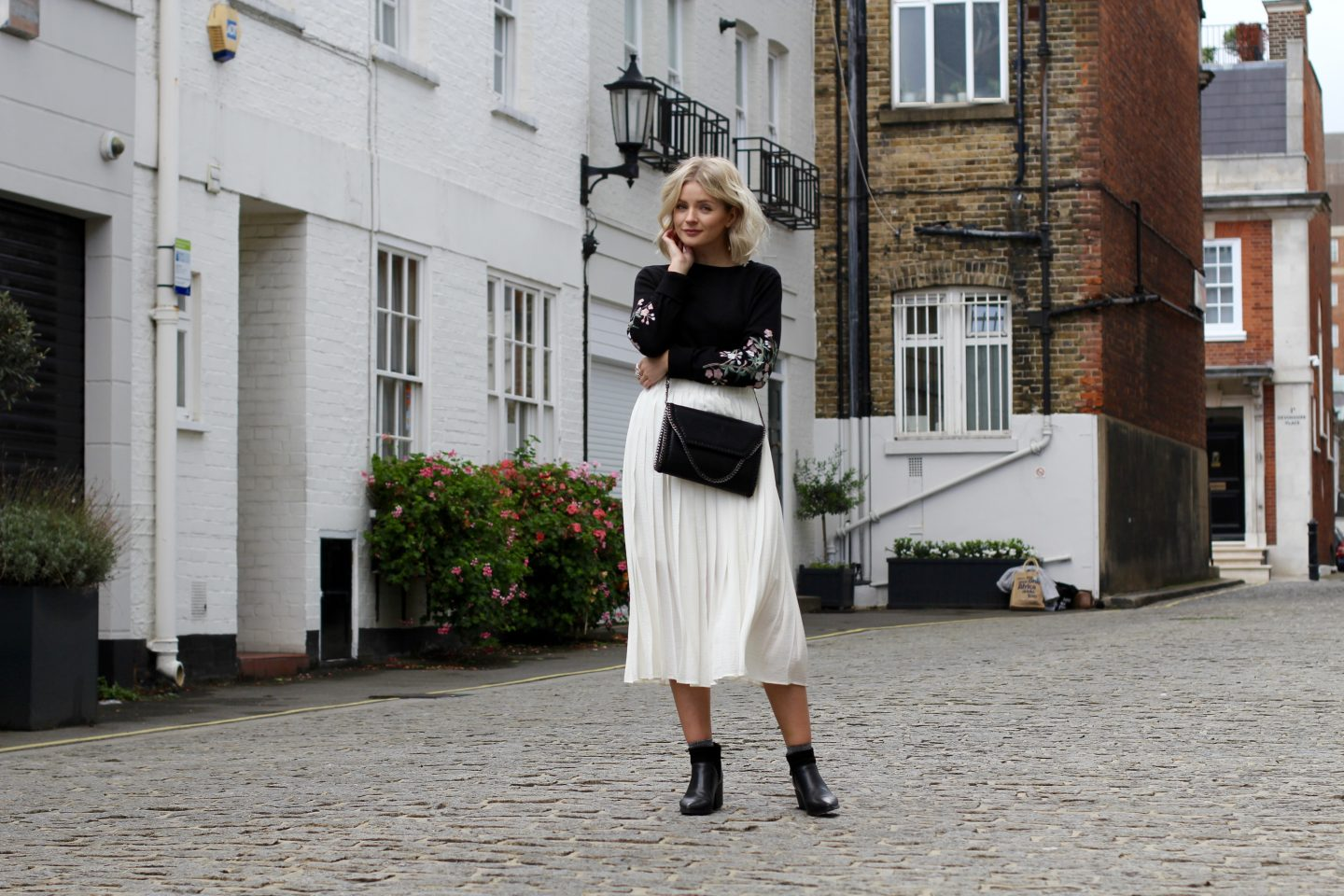 embroidery, embroidered, pleated skirt, blonde bob, wavy blonde hair, wavy blonde bob, cross body bag, ankle boots, glitter socks, how to wear a pleated skirt, fashion blogger, west london, london blogger, lauras little locket, laura byrnes