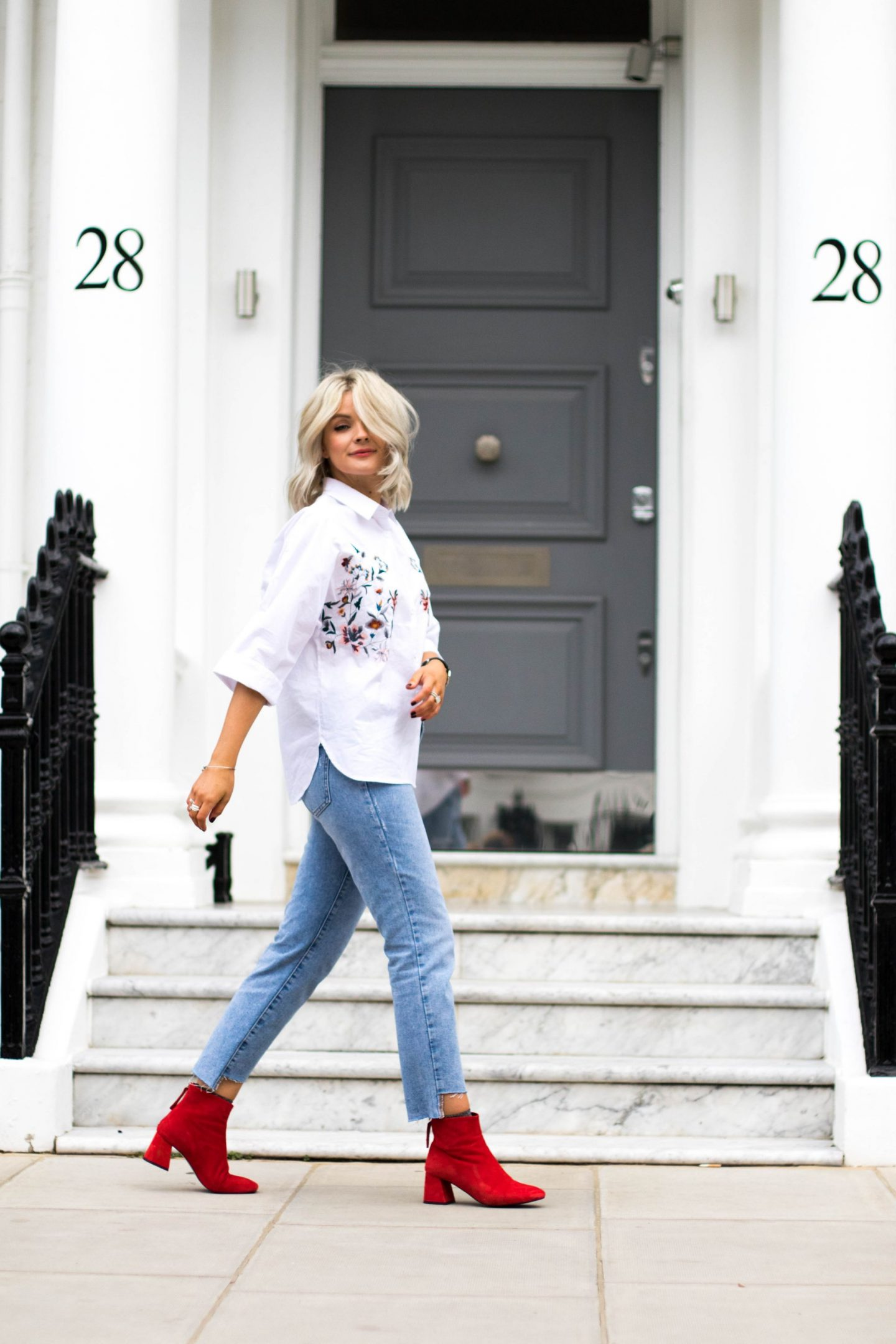 laura byrnes, lauras little locket, red boots, maggie flared heel boots, red topshop boots, blue step hem jeans, white shirt, white embroidered white, Embroidered shirt, boohoo kimono sleeve Embroidered shirt, fashion blog, blonde wavy hair, blonde long bob