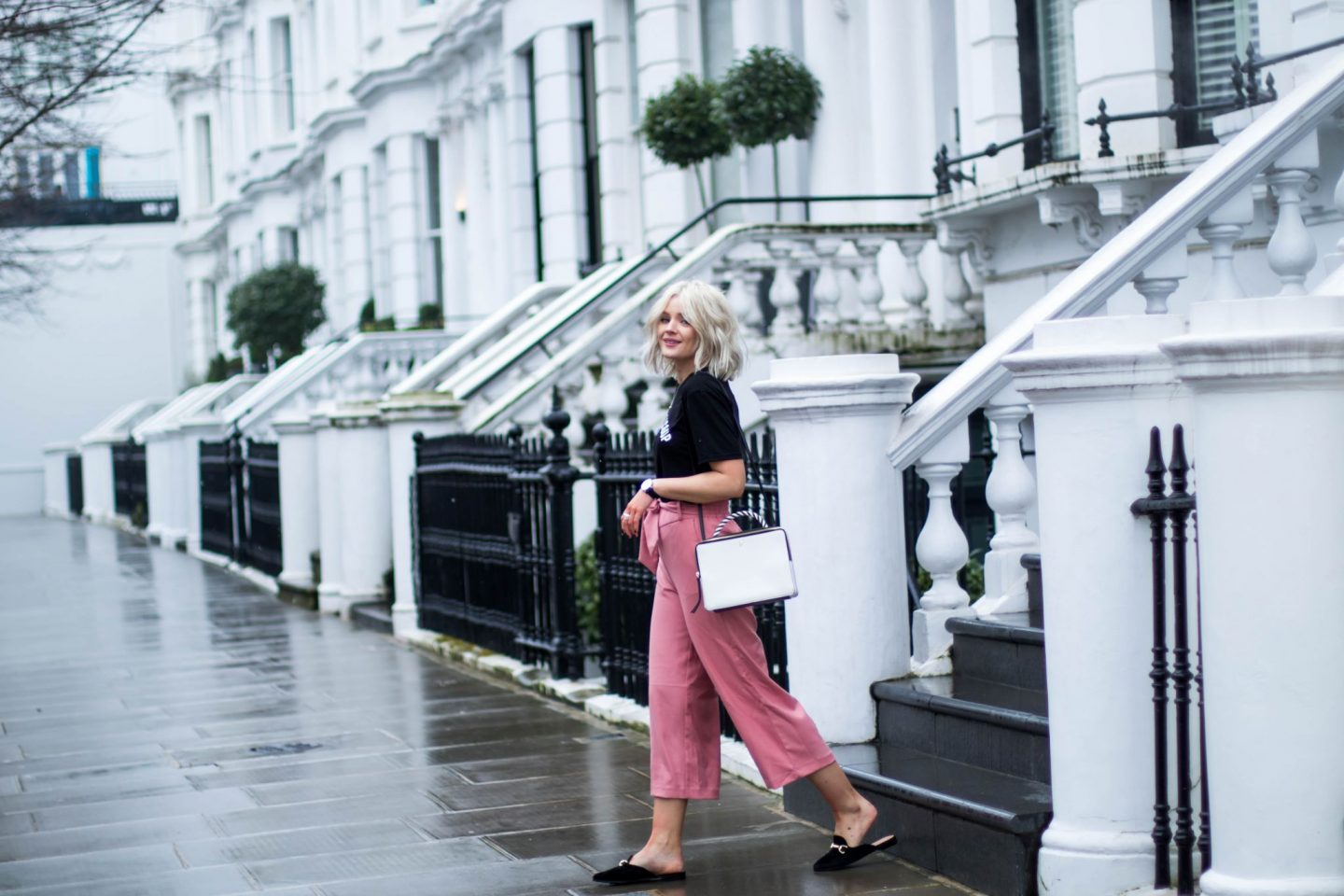laura byrnes, lauras little locket, how to wear pink, pink trend, fashion blogger, fiorelli bags