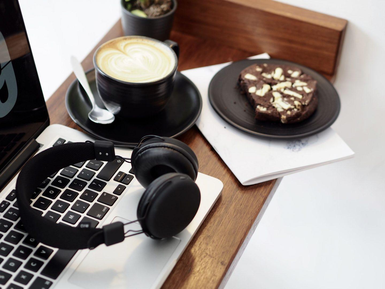 laura byrnes, lauras little locket, urbanz headphones,