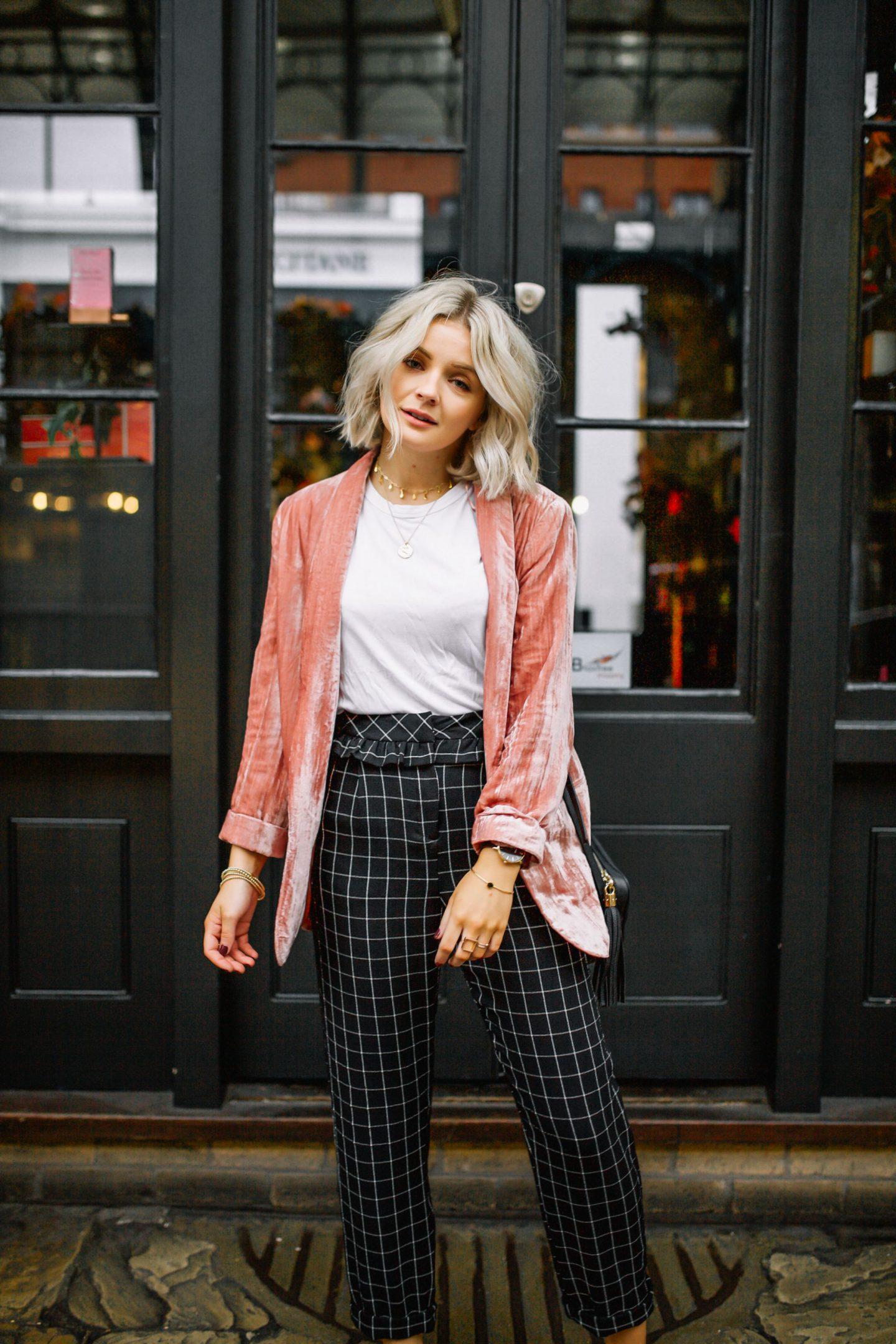 Laura Byrnes - Laura's Little Locket
