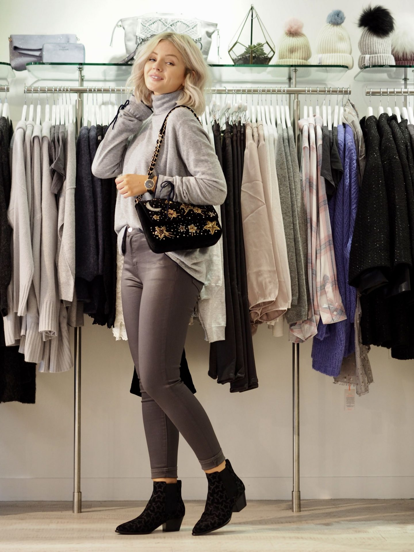 Laura Byrnes, lauras little locket, the dressing room